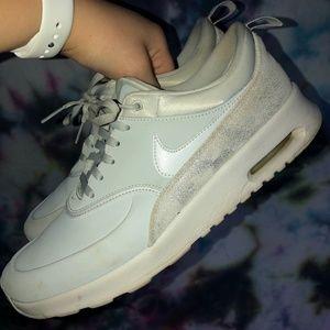Nike Air Max in Pure Platinum